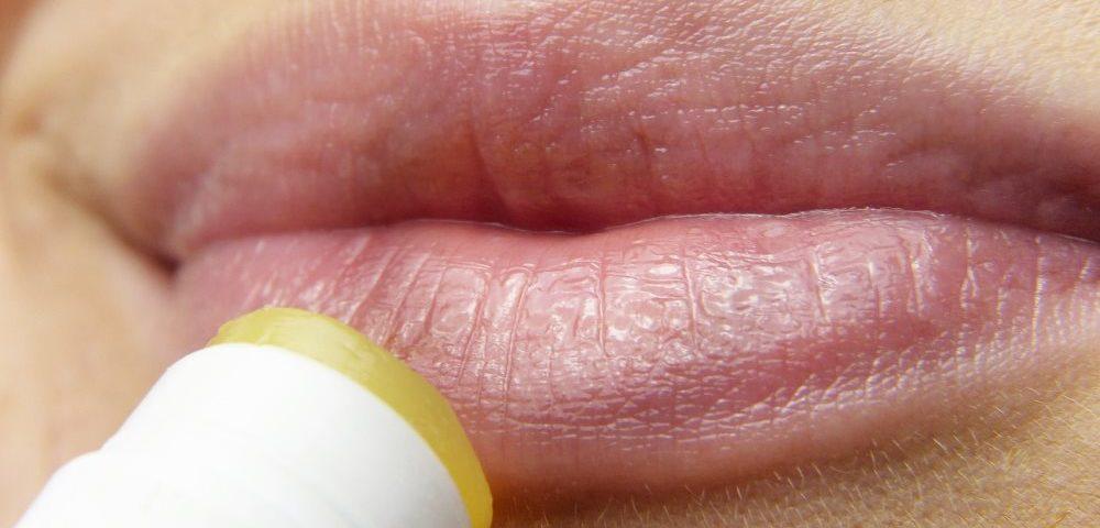 Melkfett bei spröden Lippen
